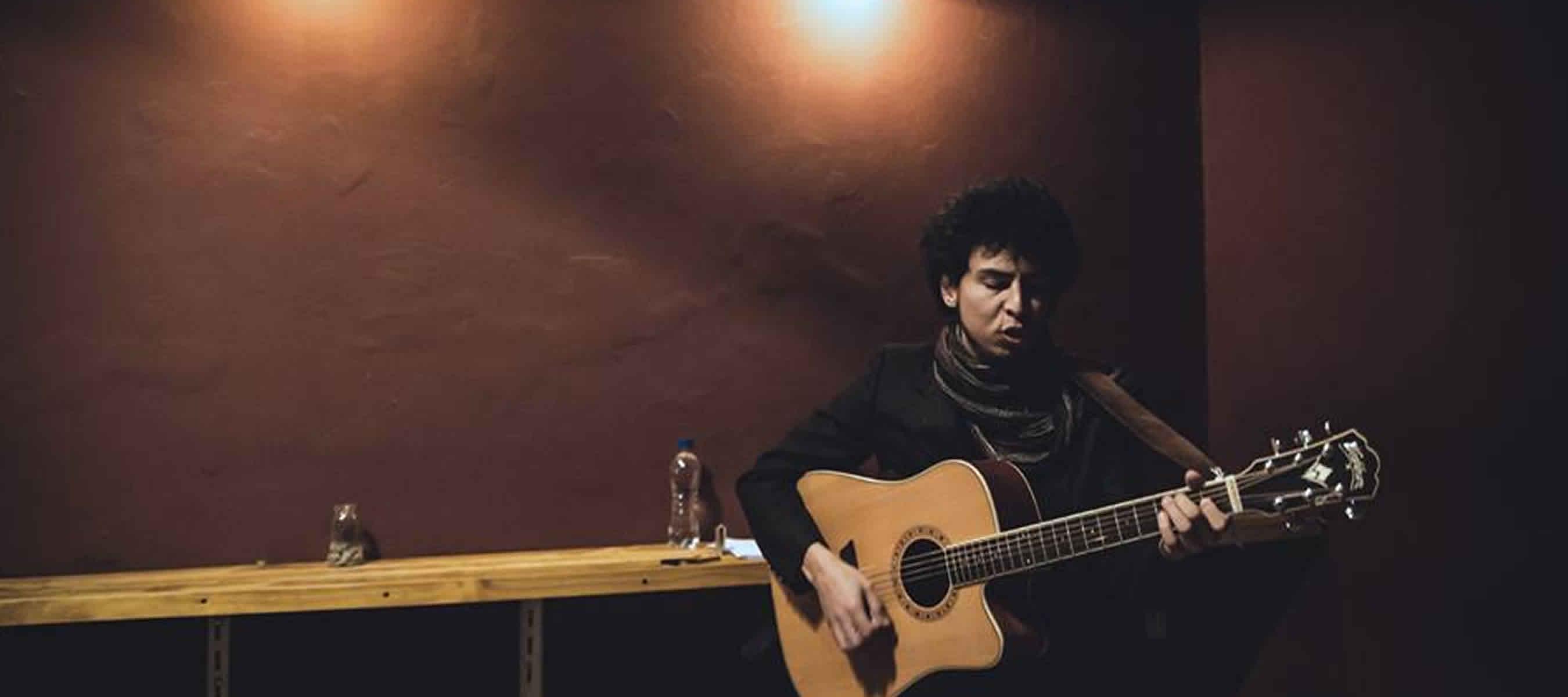 Leo Parra Castillo - blues smoking molly